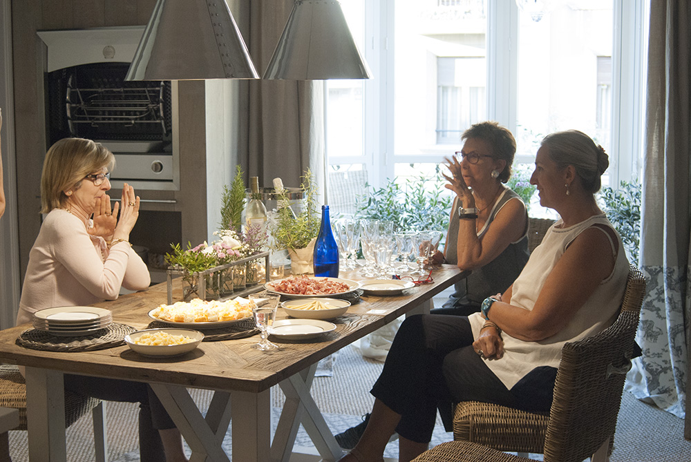Chone the Sotilla, Lluïsa Deulonder and Marie-Jo Net Cocquet during the inauguration of the kitchen La Cornue in the showroom of Deulonder last June 29