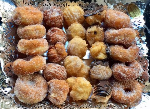 """The best """"buñuelos""""; Those of the bakery """"Roura"""""""